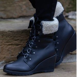 🆕 SOREL x Anthropologie black leather wedge boots